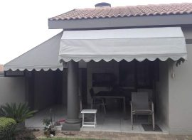 awnings-customised-patio-outdoor-restaurant